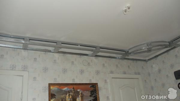Потолок в зале фото своими руками