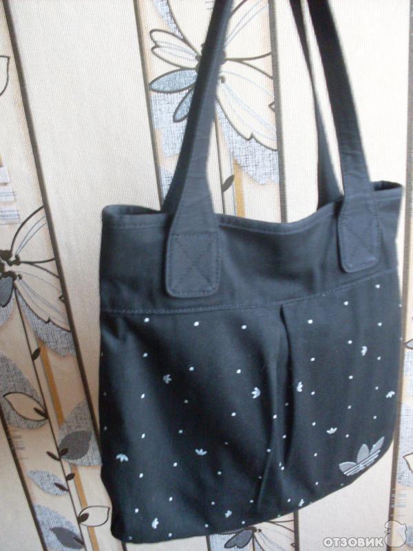 Простенькая женская сумка черного цвета, 100% хлопок, Размеры: ок.  36/30х35 см. Удобная, вместительная...