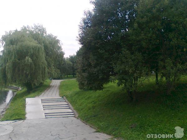 """Гостиница  """"Агат """", расположена на окраине города Минска, в очень красивом, живописном, зеленом районе."""