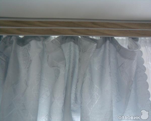 Как правильно повесить шторы на шторной ленте
