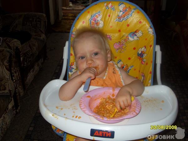 Со скольки месяцев можно сажать девочек в стульчик для кормления 35