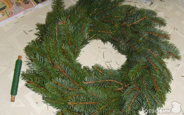 Рождественский венок своими руками из ели