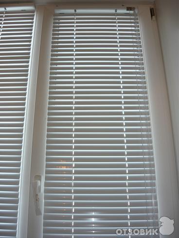 Отзыв: Горизонтальные жалюзи - Отличное решение для жителей первого этажа и солнечной стороны!