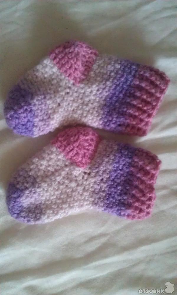 Описание: носочки для новорожденных крючком.  Автор: Нора.