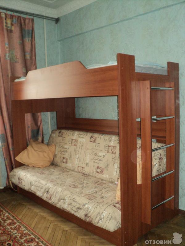 Как сделать второй ярус кровати над диваном