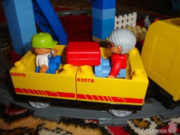 Отзыв: Игра Железная дорога Lego Duplo - отличная игрушка подходит и мальчикам и девочкам.