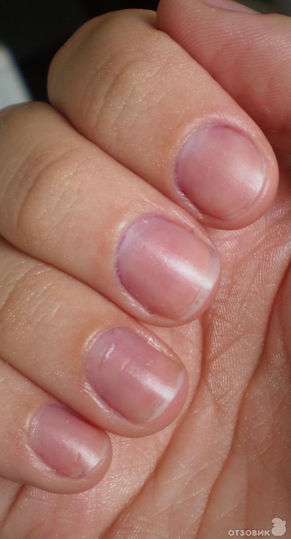 синие ногти на руках фото