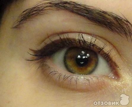 коричневая подводка для глаз фото
